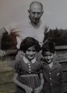John Bosman met zijn kinderen Mirjam en Arnold