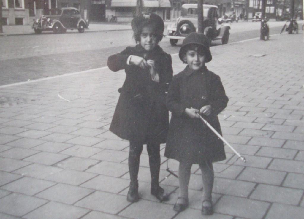 Kinderen Bosmain in de Graaf Florisstraat