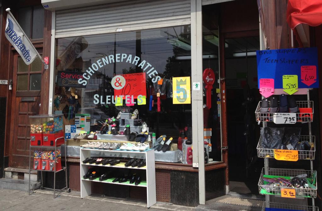 ShoppenMiddelland_SchoenmakerijBoer_foto_buiten